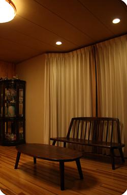 楕円ティーテーブルとなごみベンチ