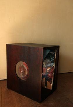高さのかわるレコード椅子