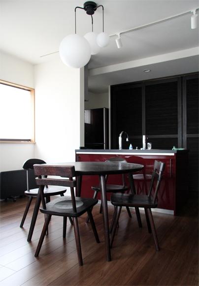 くるみの丸テーブル、Aチェア、TORIIチェア